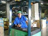 ◆工場内リーチフォークリフト作業員◆ 資格を活かして働きませんか!? 長期勤務できる方大歓迎!! 週払い/月払いお好きな方をお選びいただけます★
